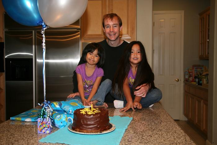 Blog 20100517andrew daddy birthday5610