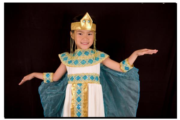 Maddy cleopatra pose