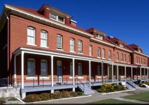 Presidio_barracks
